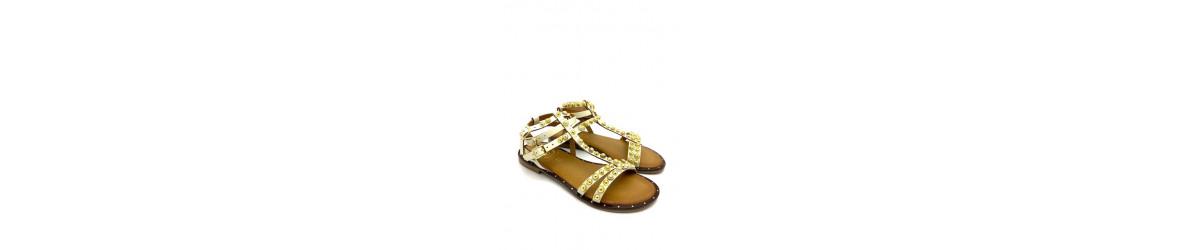chaussures femmes  sandales plates ou nu-pieds, perles , bijoux