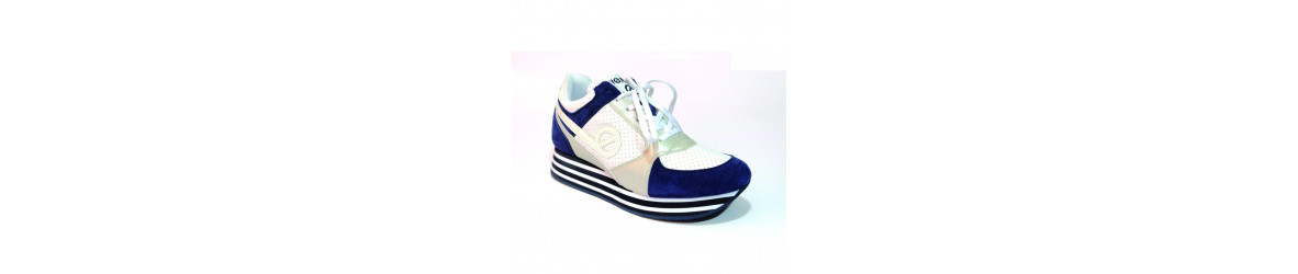 chaussures femmes bakets montantes