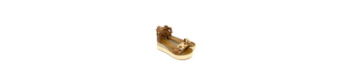 chaussures femmes sandales compensées mode bohème chic